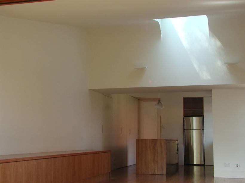 McMahons-Point-House_LivingRoom1-820x615.jpg